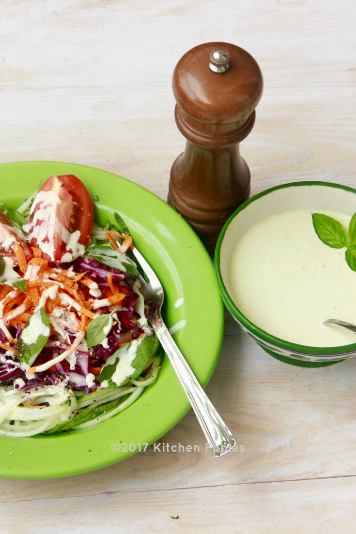 Healthy Salad Dressing / Creamy Basil & Garlic Dip
