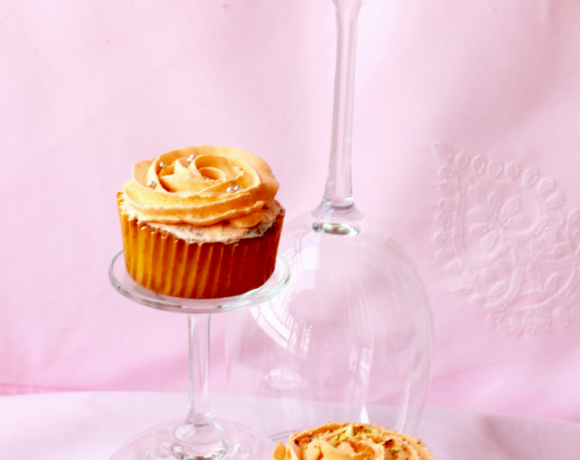 Fusion Desserts – Mawa Cupcakes with Kesar Pista Frosting
